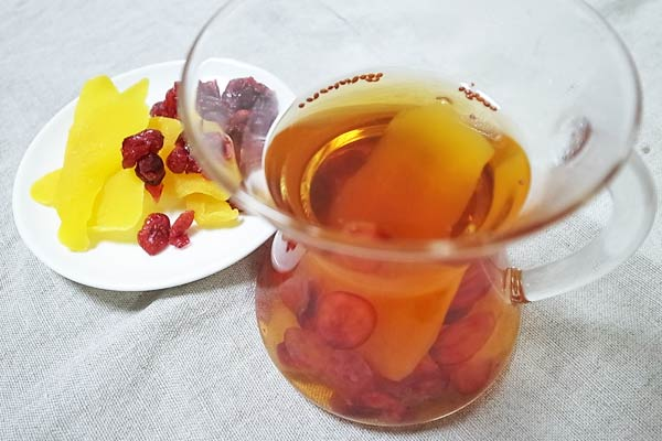 業務スーパーの紅茶で作ったフルーツティー
