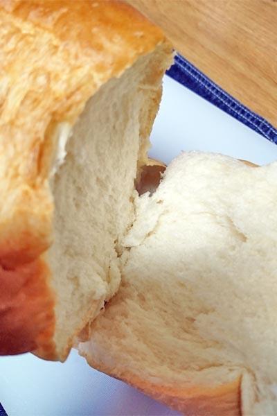 手で割いてみた業務スーパー天然酵母パン