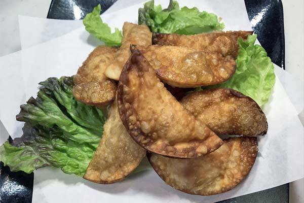 業務スーパーの鮭フレークで作ったおつまみ「鮭マヨ餃子」