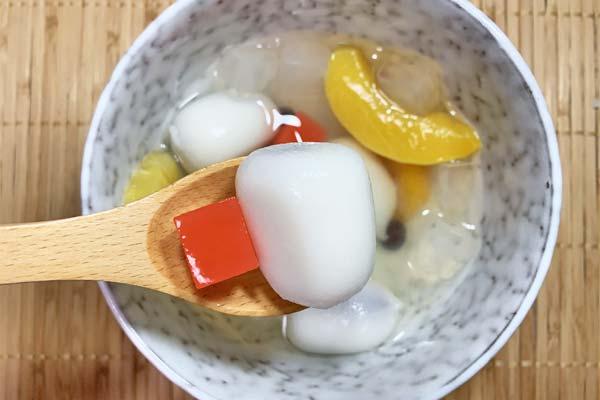 プチ大福とフルーツみつ豆のデザート