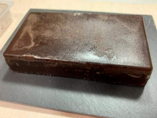 まな板の上のリッチショコラケーキ