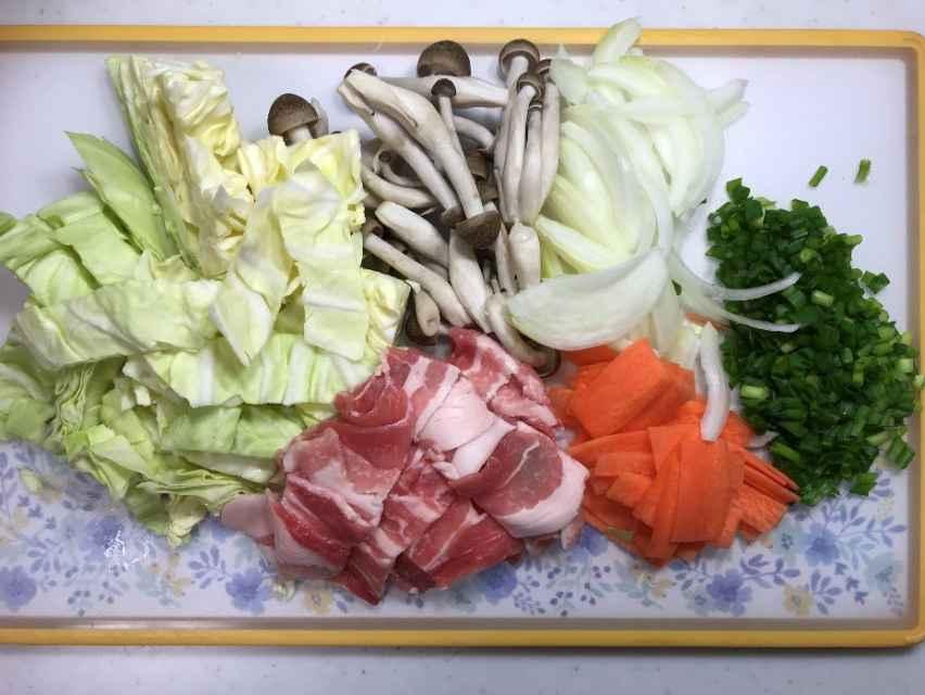 塩野菜炒めに入れる野菜と肉