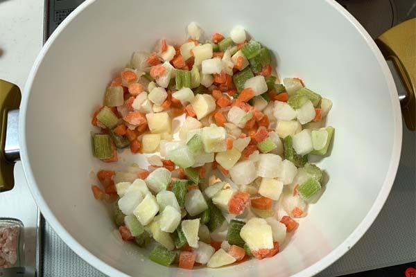 業務スーパーの冷凍野菜ミックス
