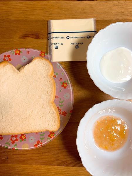 チーズケーキトーストの材料