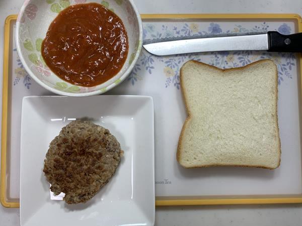 業務スーパーのハンバーグ・食パン・ミートソース