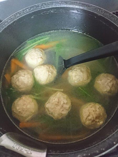 業務スーパーの肉団子入り野菜スープ