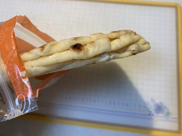 4枚がくっついている業務スーパーの冷凍ナン