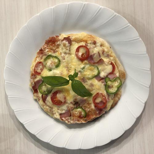 お業務スーパーのパラタで作ったピザを上から見たところ