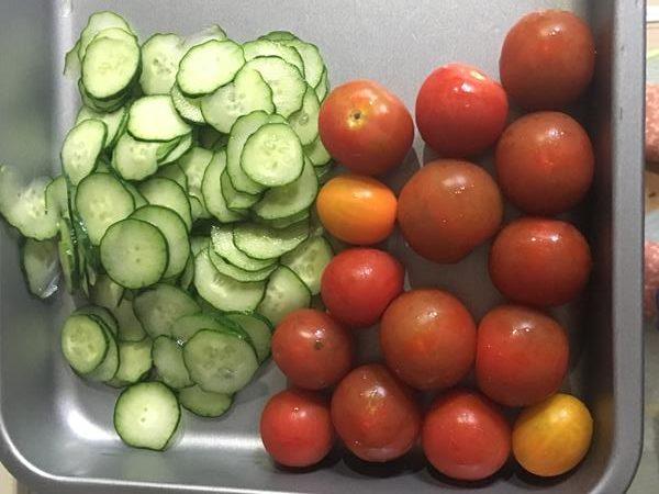 ミニトマトとスライスきゅうり