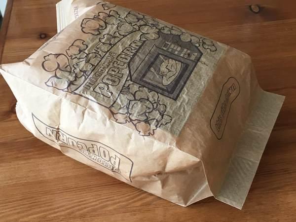 レンチン後の業務スーパーのポップコーン紙パック