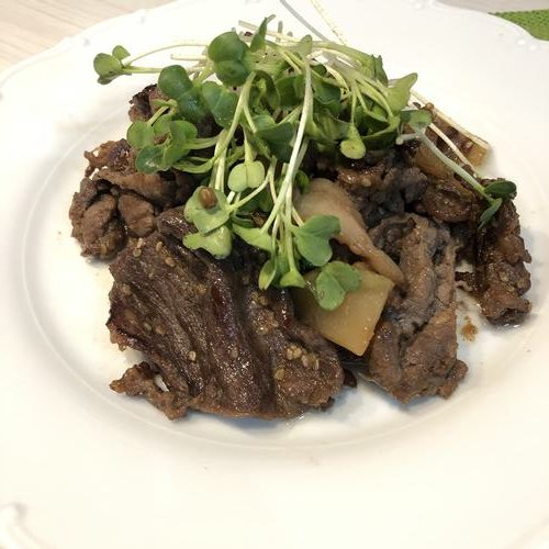 牛肉と業務スーパーのザーサイの炒め物