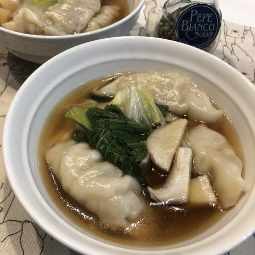 完成した餃子スープ