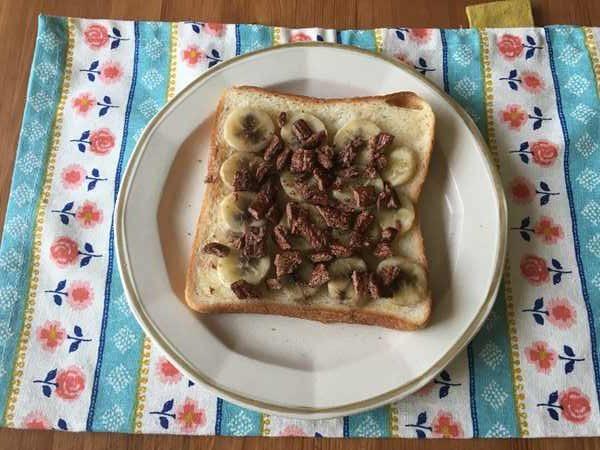 バナナと業務スーパーのシリアルを使ったトーストの完成品