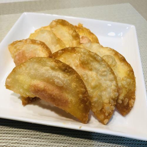 完成した明太チーズ揚げ餃子