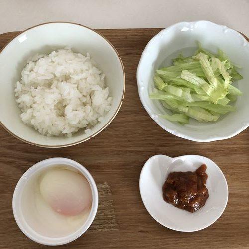 業務スーパーの肉味噌で作る丼の材料