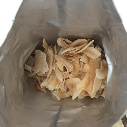 開封して上から見た業務スーパーのココナッツチップス