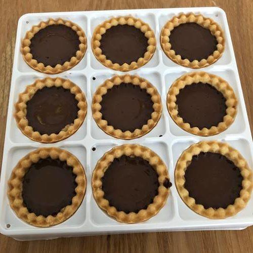 冷蔵庫で冷やし固めたチョコタルト