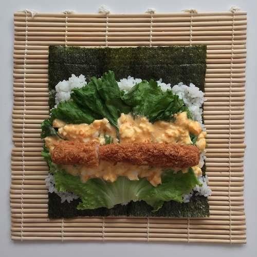 すまきにのせた海苔・酢飯・レタス・タルタルソース・エビフライ