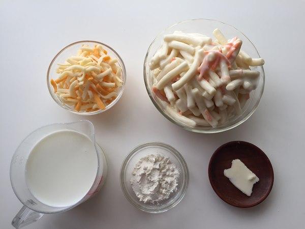 業務スーパーのマカロニサラダを使うグラタンの材料