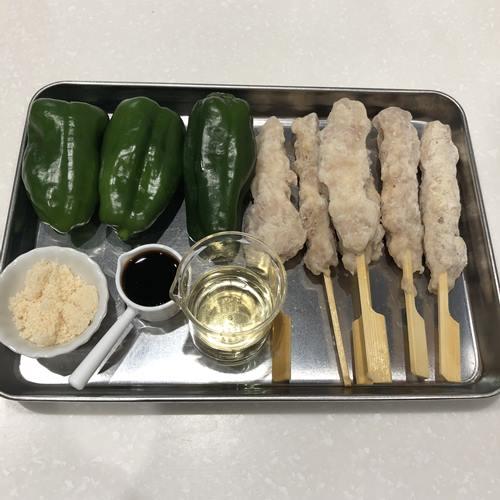 業務スーパー焼き鳥50本つくね串で作るピーマン肉詰めの材料