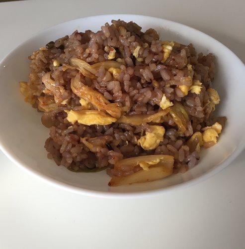 業務スーパーの雑穀米を使った豚キムチチャーハン