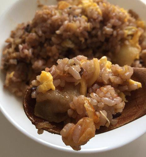 業務スーパーの雑穀米で作った豚キムチチャーハン完成品
