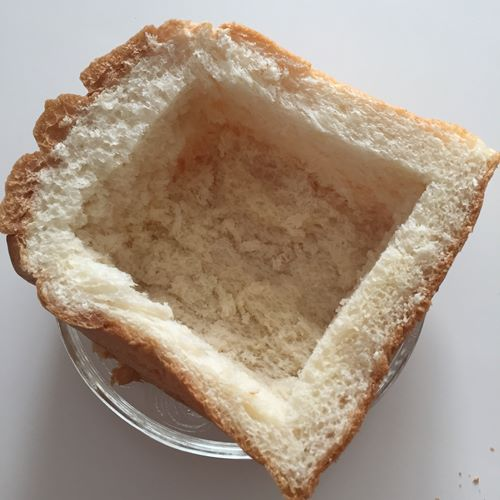 真ん中をくり抜いた業務スーパーのイギリスパン