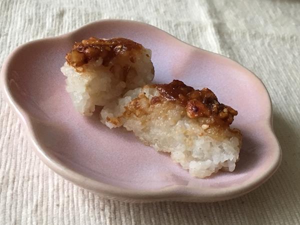 もち麦ご飯で作った五平餅の断面