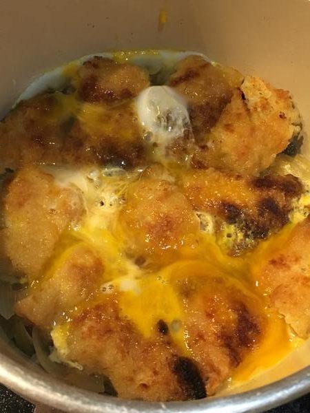 白身フライのカツ煮に加えた溶き卵