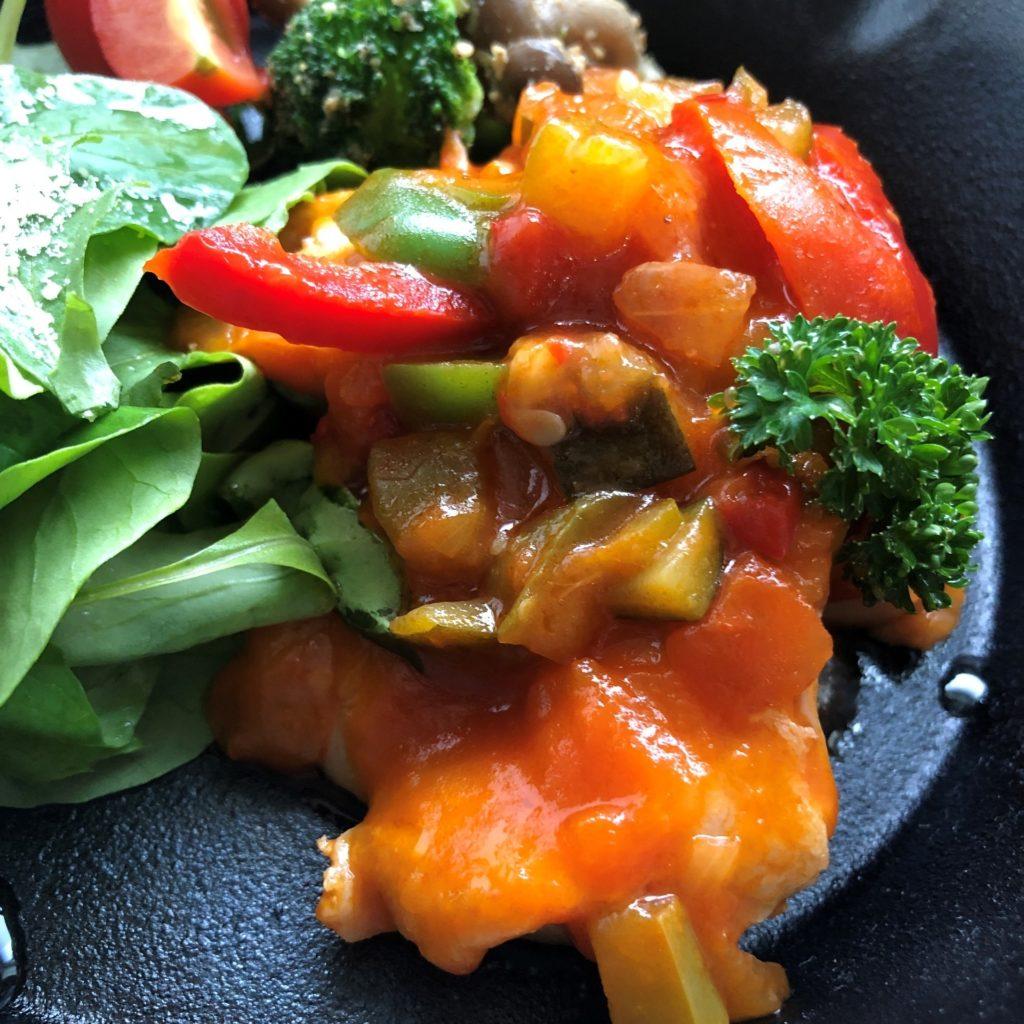 野菜が沢山入ってるラタトゥイユチキン