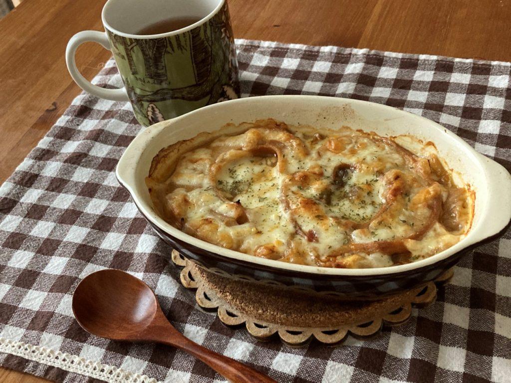 トースターで温めて完成したお麩のオニオングラタンスープ