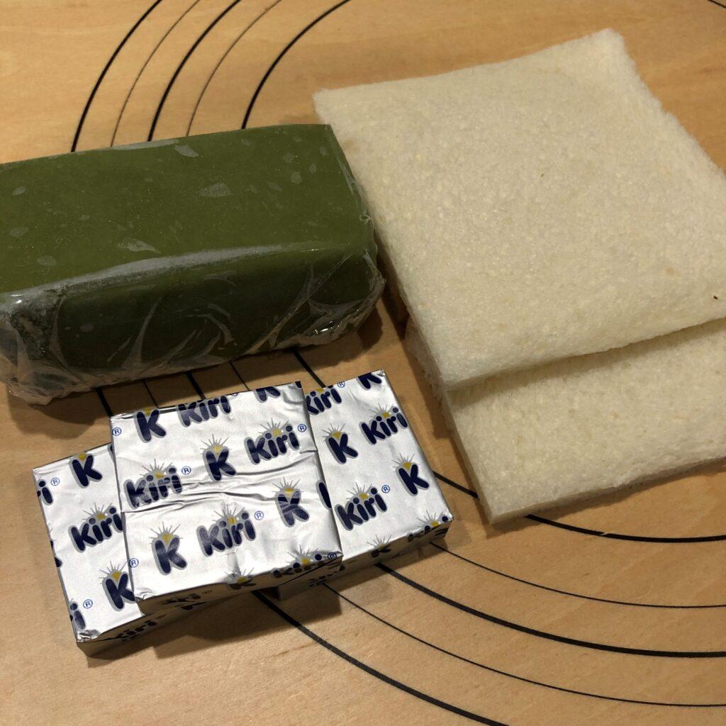 業務スーパーのリッチ抹茶ケーキで作るサンドイッチの材料