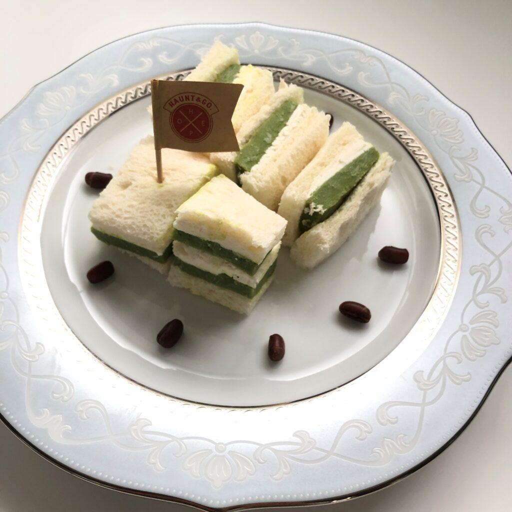 業務スーパーのリッチ抹茶ケーキで作ったサンドイッチ