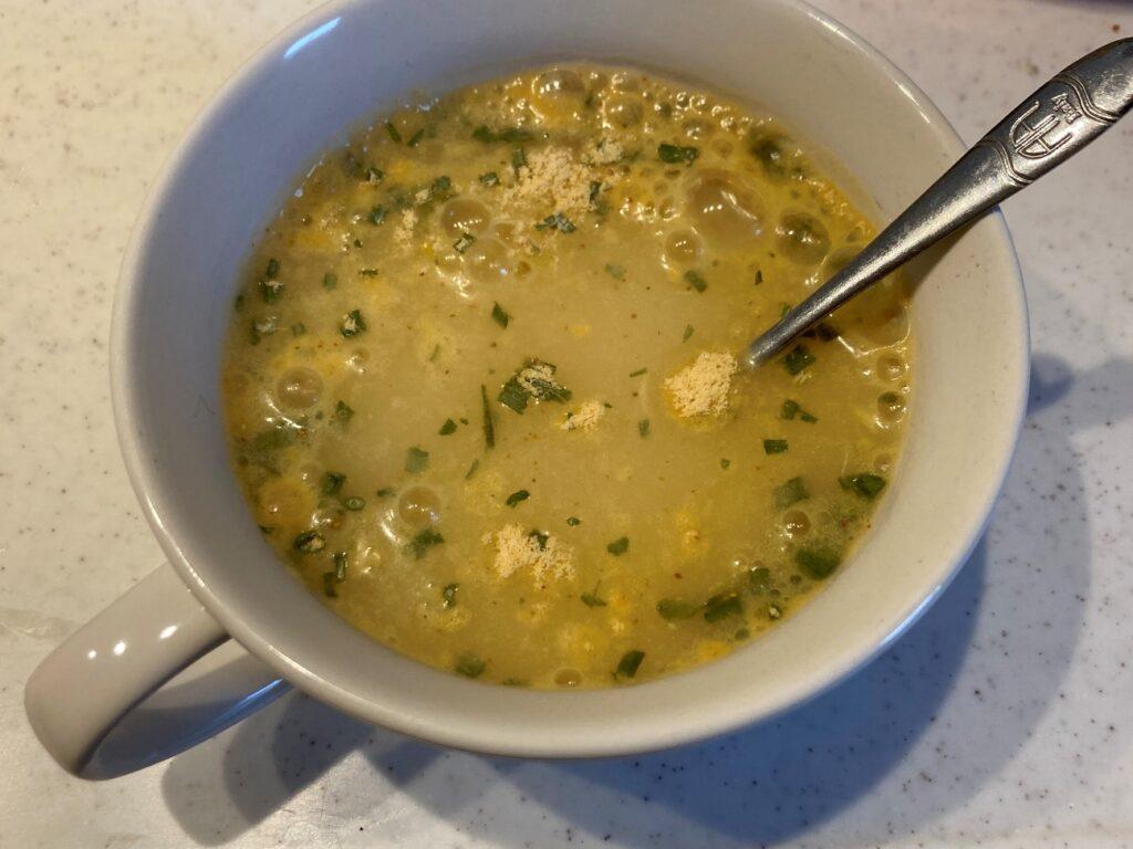 業務スーパーのインスタントスープ・トムヤムを召し上がり方の通り作ってみた