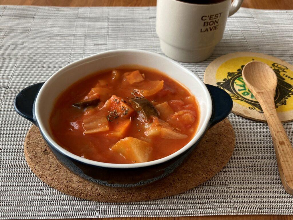 業務スーパーのインスタントスープ・トムヤムで作ったトムヤム風味のミネストローネ