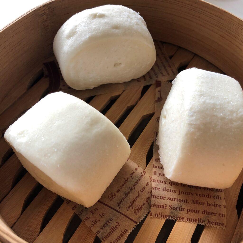 業務スーパーの中華小麦パンをを蒸し器で5分蒸してみたところ