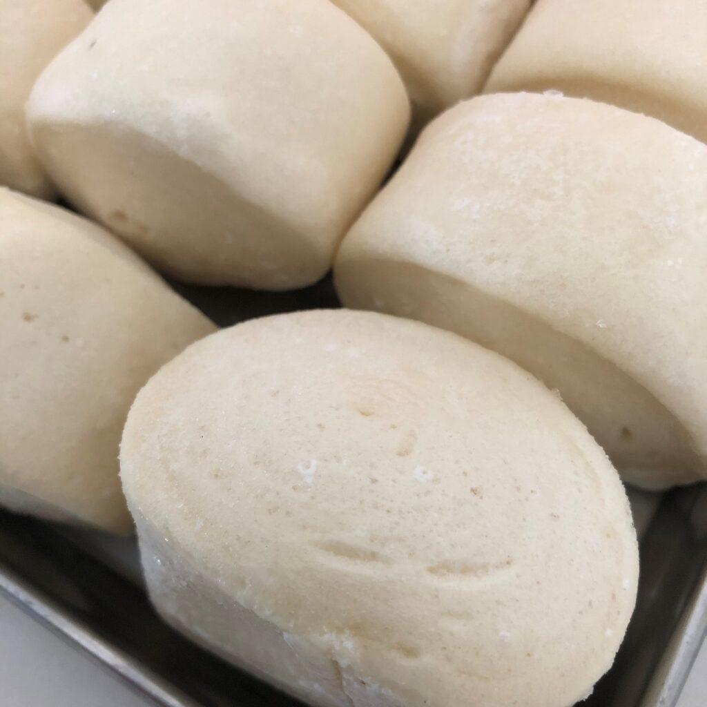 凍ってる業務スーパーの中華小麦パンの表面