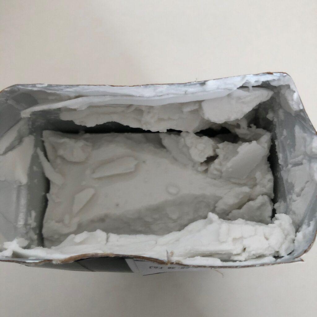業務スーパーのココナツミルクのパッケージを開けた時の中身