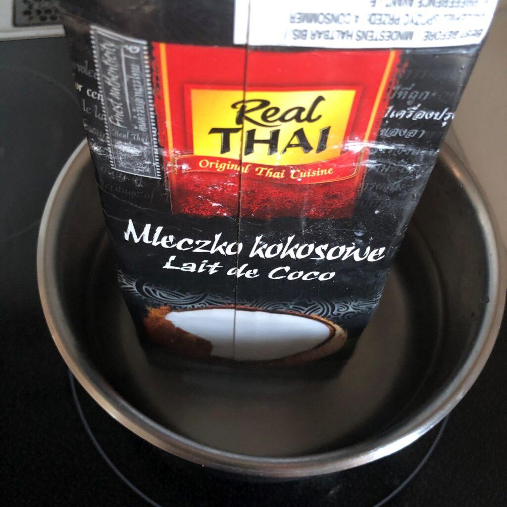業務スーパーのココナツミルクをパッケージごと湯煎してみる